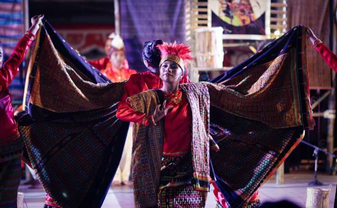 Kementerian Desa, Pembangunan Daerah Tertinggal dan Transmigrasi (Kemendes PDTT) bersama dengan Pemerintah Kabupaten Manggarai menggelar acara Penguatan Pranata Adat dan Budaya melalui festival dan seni budaya untuk perdamaian di Kabupaten Manggarai
